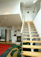 Türkenstrasse, Wohnzimmer, Treppe, Stiege, Eichenholztreppe, Eichenholzstiege, Einholmstiege, Einholmtreppe, ( Die Einholmtreppe ist eine elegante solide Treppenkonstruktion, welche in Dachbodenausbauten sehr oft Anwendung findet )