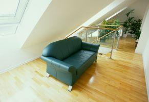 Türkesntrasse, Galerie, Sofa, Pflanzen, ( In der Galerie bietet sich genügend Platz, um Pflanzen gedeihen zu lassen )